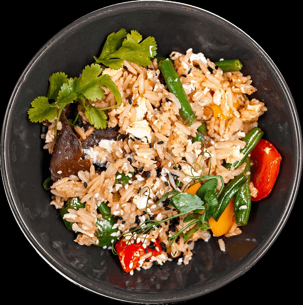 Рис с овощами и яйцом под соевым соусом