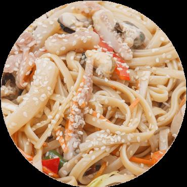 Вок с морепродуктами / яичная лапша