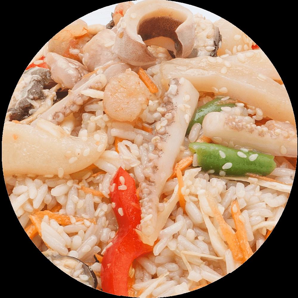 Вок с морепродуктами / рис